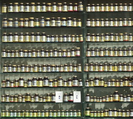 keto supplements on shelves